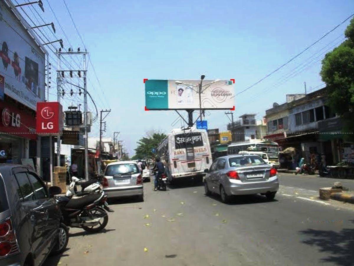 Unipole-Main Market,Vikas Nagar